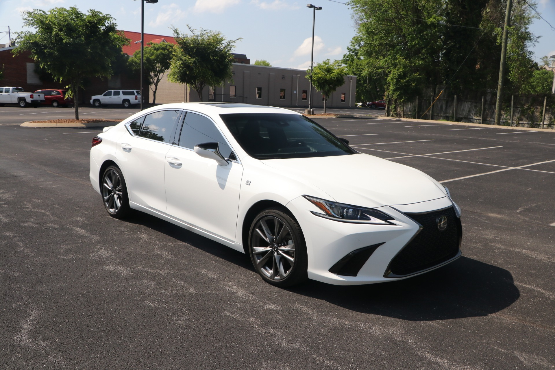 Used 2019 Lexus ES 350 F SPORT FWD W/NAV for sale $38,950 at Auto Collection in Murfreesboro TN 37130 1