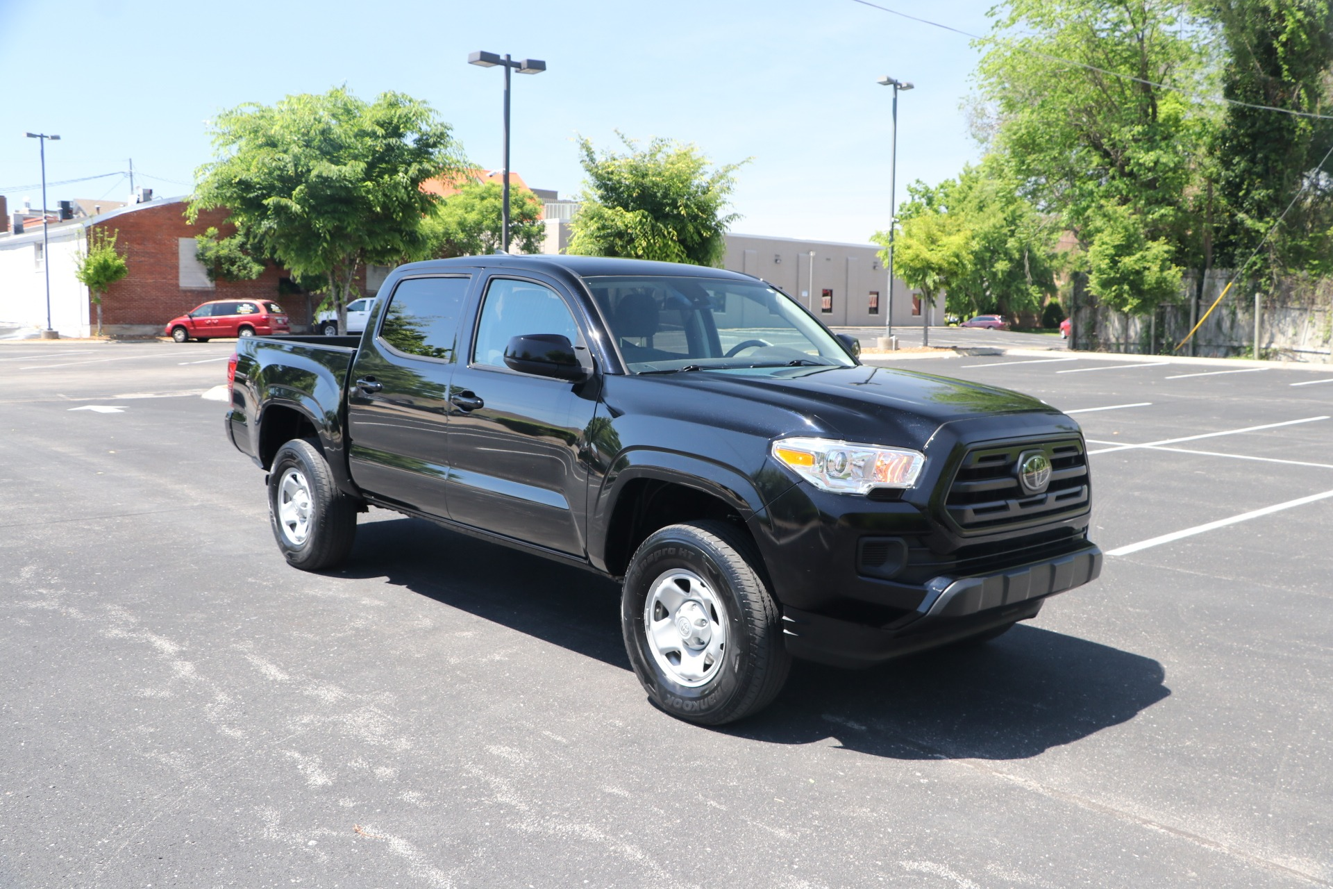 Used 2019 Toyota Tacoma SR 4X4 DOUBLE CAB for sale Sold at Auto Collection in Murfreesboro TN 37130 1