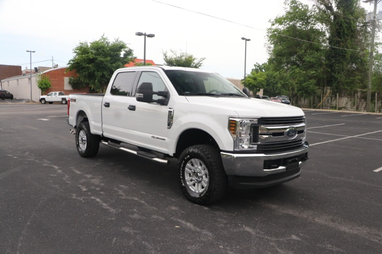 Used 2018 Ford F-250 SD SD XLT CREW CAB 4WD for sale Sold at Auto Collection in Murfreesboro TN 37130 1