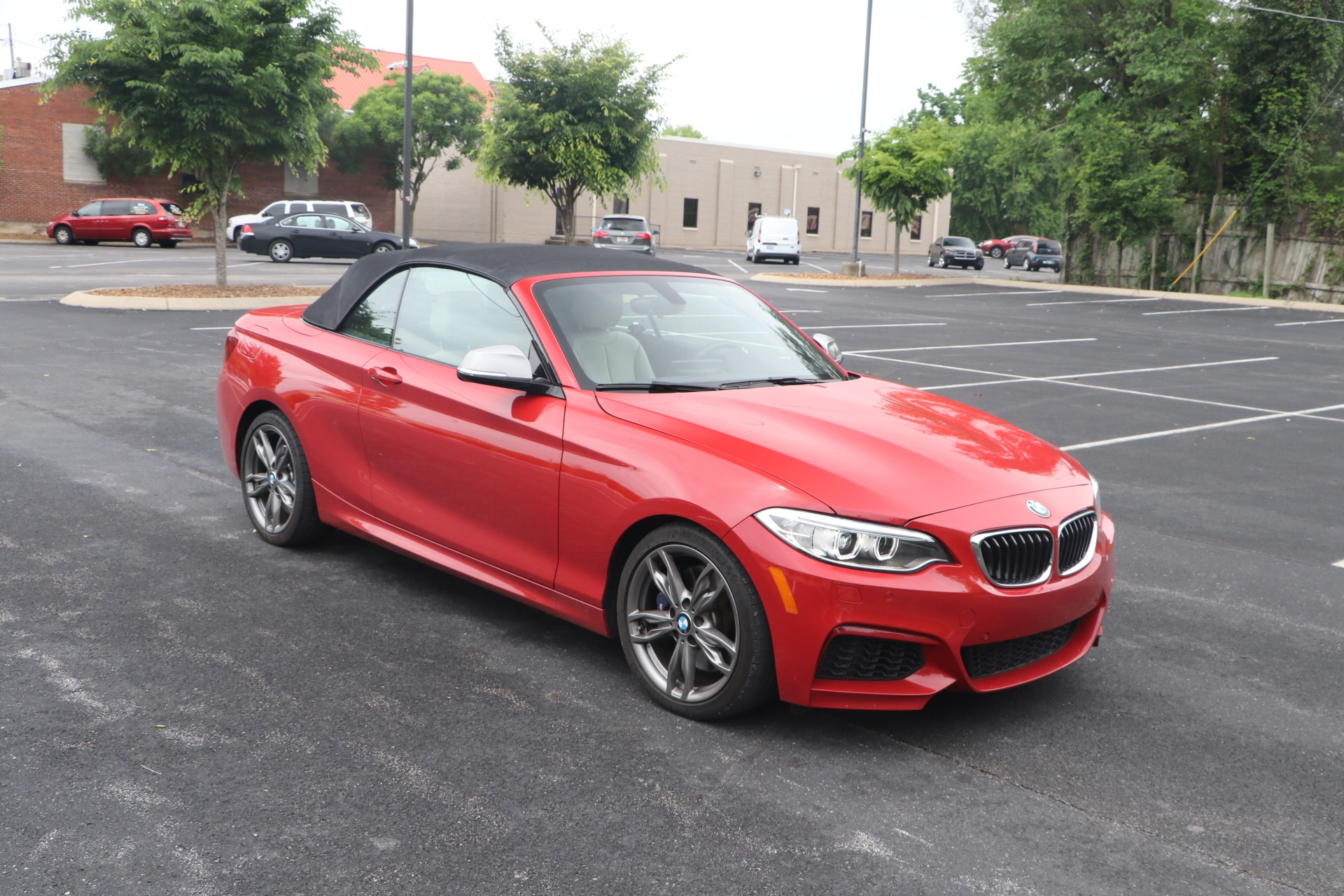 Used 2016 BMW M235i CONVERTIBLE TECHNOLOGY RWD W/NAV for sale $35,950 at Auto Collection in Murfreesboro TN 37130 1