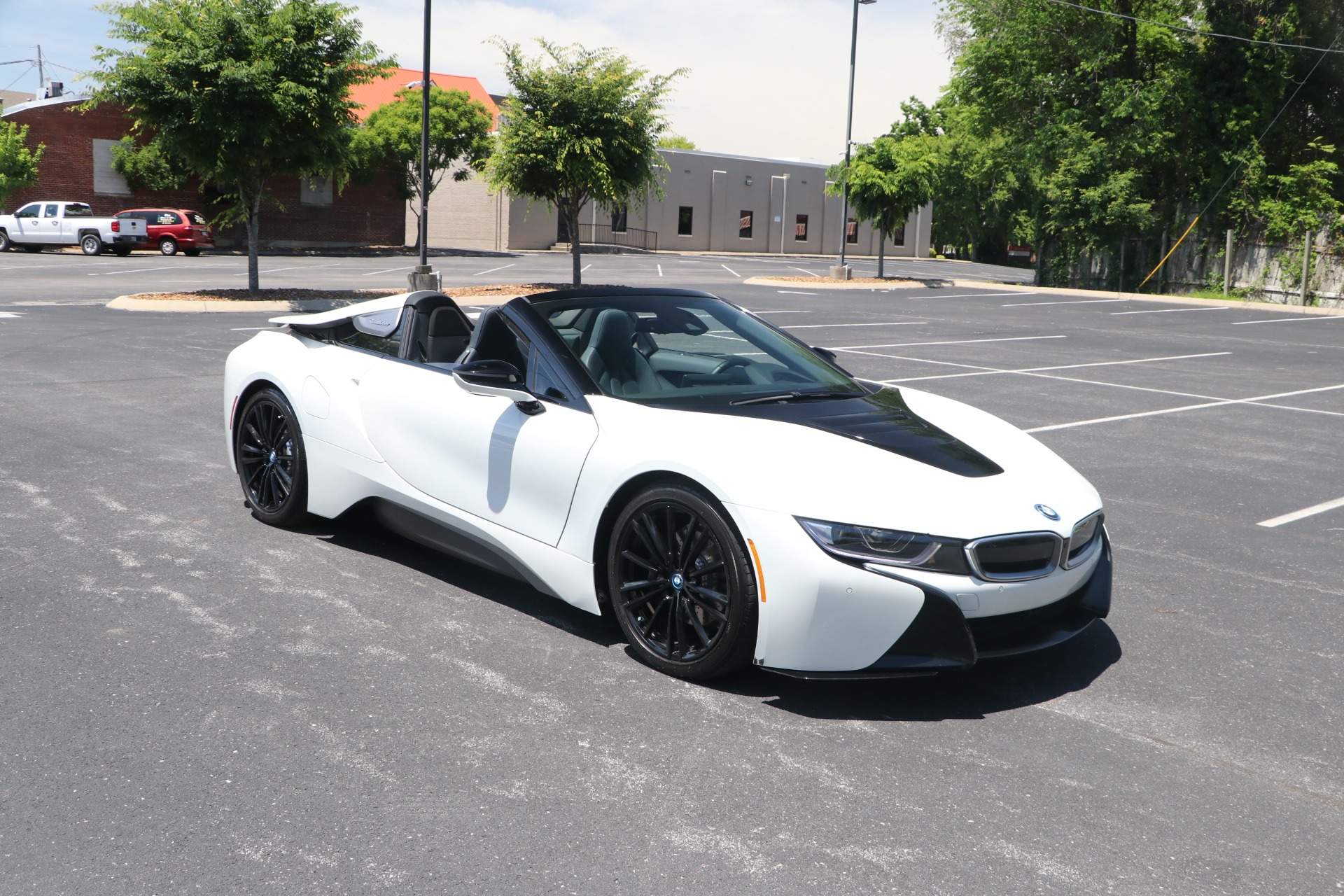 Used 2019 BMW i8 Roadster Giga Convertible AWD W/NAV for sale $114,950 at Auto Collection in Murfreesboro TN 37130 1