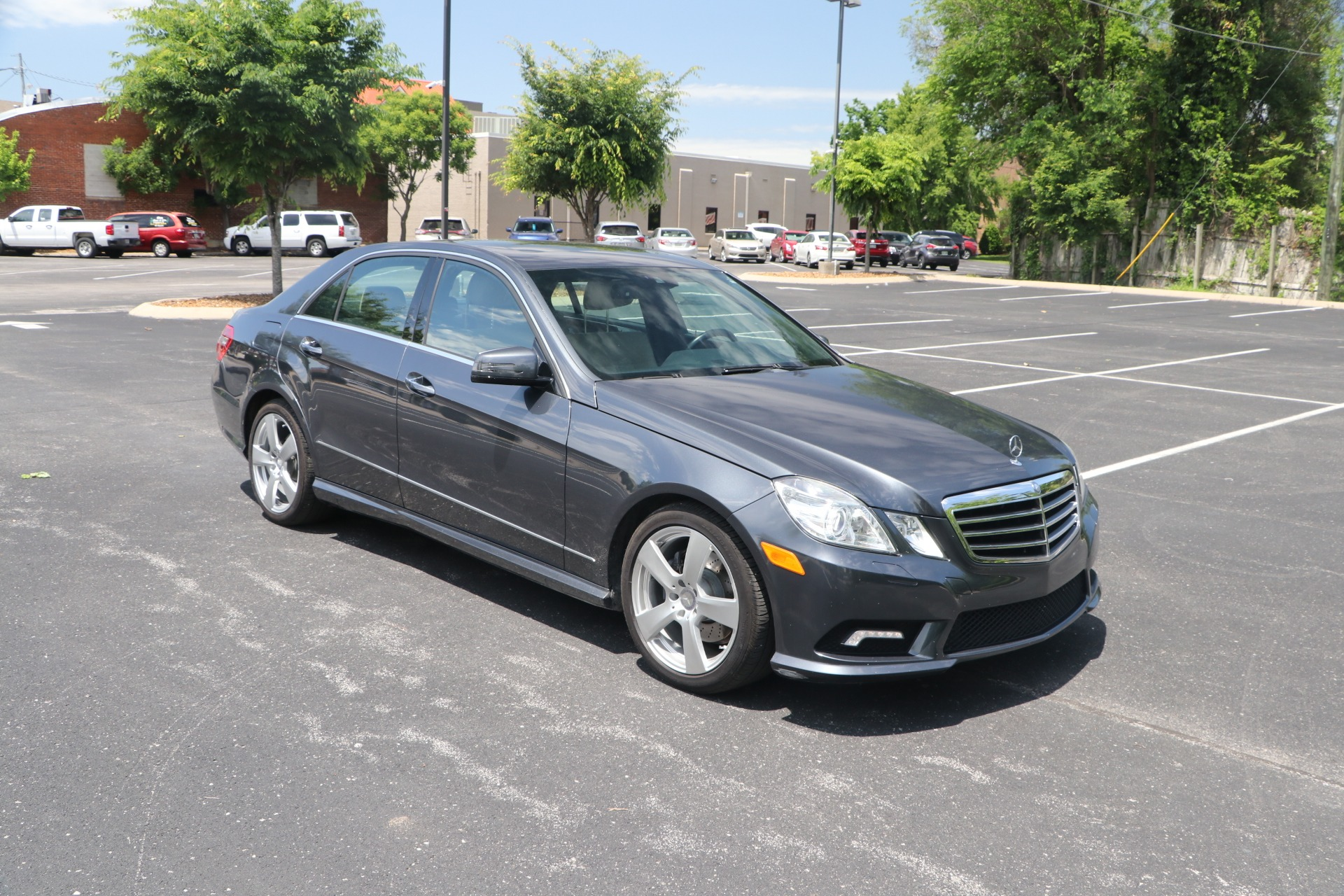 Used 2010 Mercedes-Benz E350 PREMIUM RWD W/NAV for sale $14,950 at Auto Collection in Murfreesboro TN 37130 1