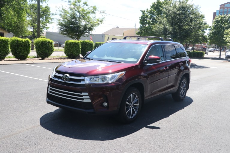 Used 2019 Toyota Highlander XLE AWD W/NAV for sale $37,950 at Auto Collection in Murfreesboro TN 37130 2