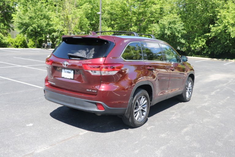 Used 2019 Toyota Highlander XLE AWD W/NAV for sale $37,950 at Auto Collection in Murfreesboro TN 37130 3