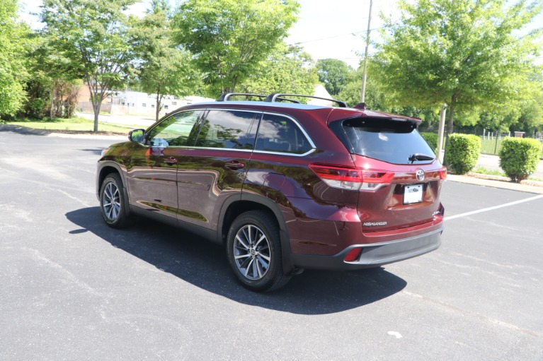 Used 2019 Toyota Highlander XLE AWD W/NAV for sale $37,950 at Auto Collection in Murfreesboro TN 37130 4