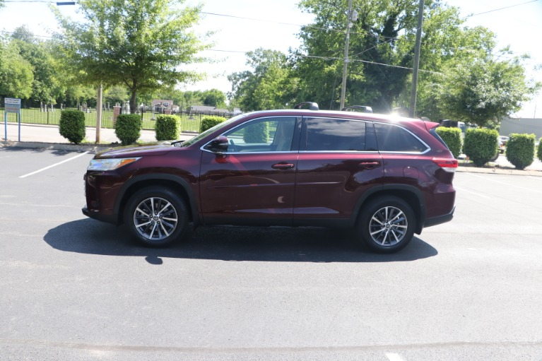Used 2019 Toyota Highlander XLE AWD W/NAV for sale $37,950 at Auto Collection in Murfreesboro TN 37130 7