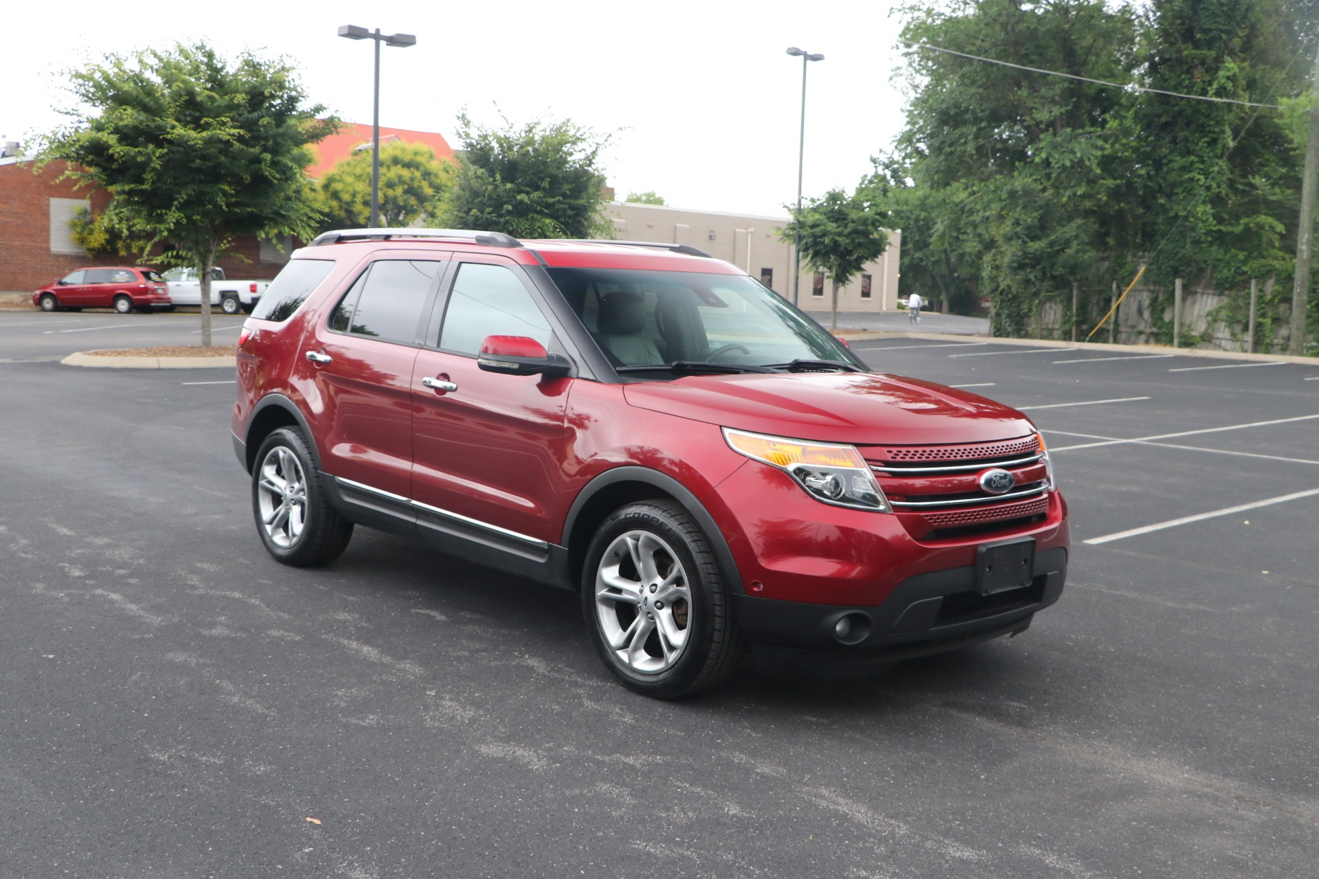 Used 2013 Ford Explorer LIMITED AWD W/NAV for sale Sold at Auto Collection in Murfreesboro TN 37130 1