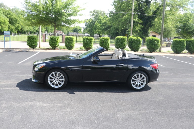 Used 2017 Mercedes-Benz SLC 300 Convertible W/NAV for sale $36,950 at Auto Collection in Murfreesboro TN 37130 7
