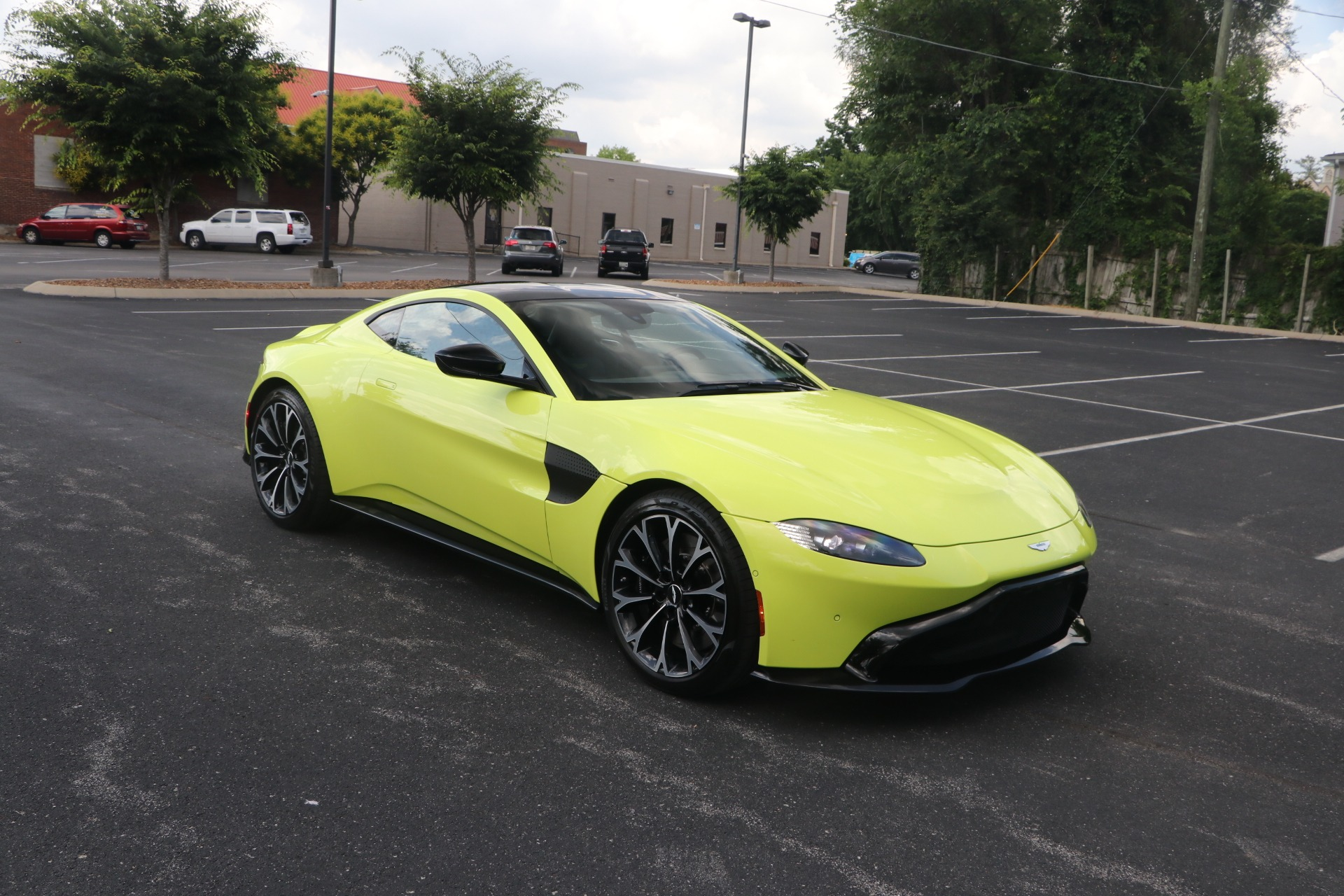 Used 2019 Aston Martin Vantage W/NAV for sale $144,950 at Auto Collection in Murfreesboro TN 37130 1