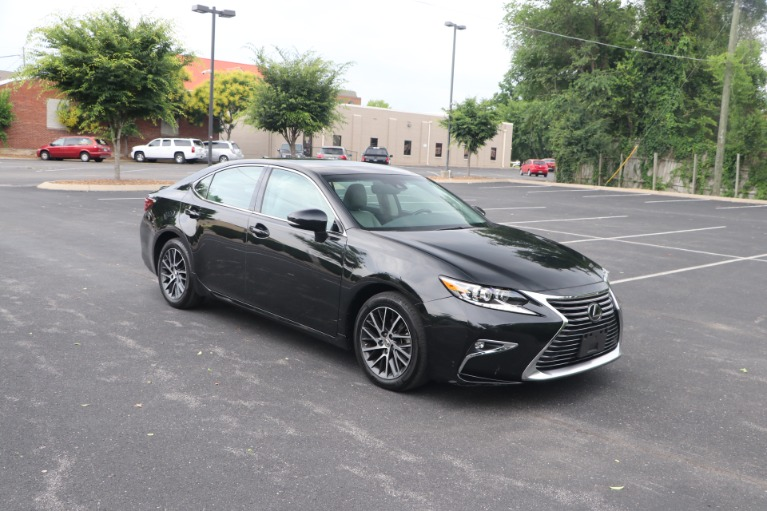 Used 2018 Lexus ES 350 Luxury FWD W/NAV for sale $33,950 at Auto Collection in Murfreesboro TN 37130 1