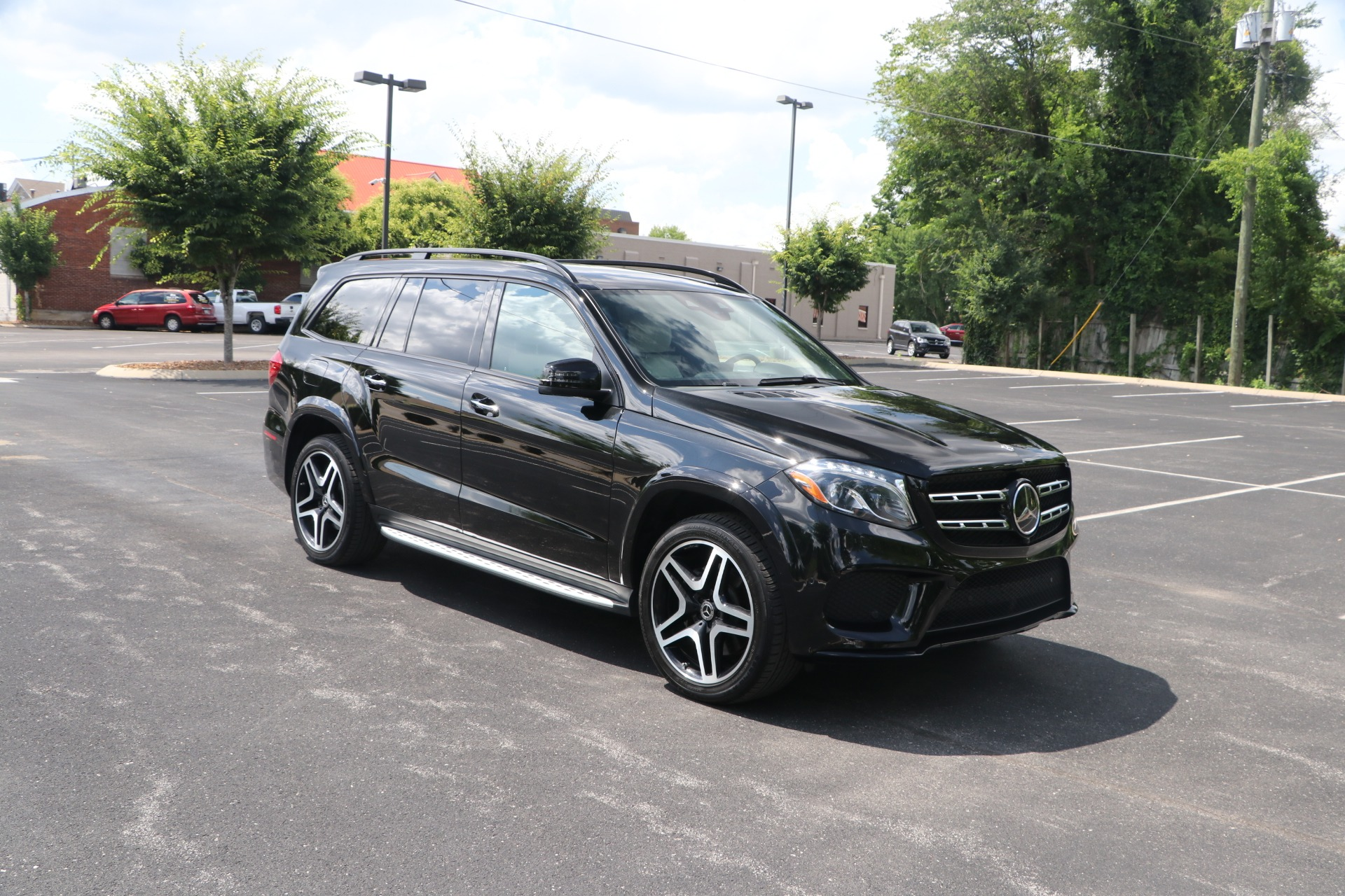 Used 2019 Mercedes-Benz GLS 550 4MATIC DESIGNO W/ACTIVE CURVE SYSTEM for sale $79,950 at Auto Collection in Murfreesboro TN 37130 1