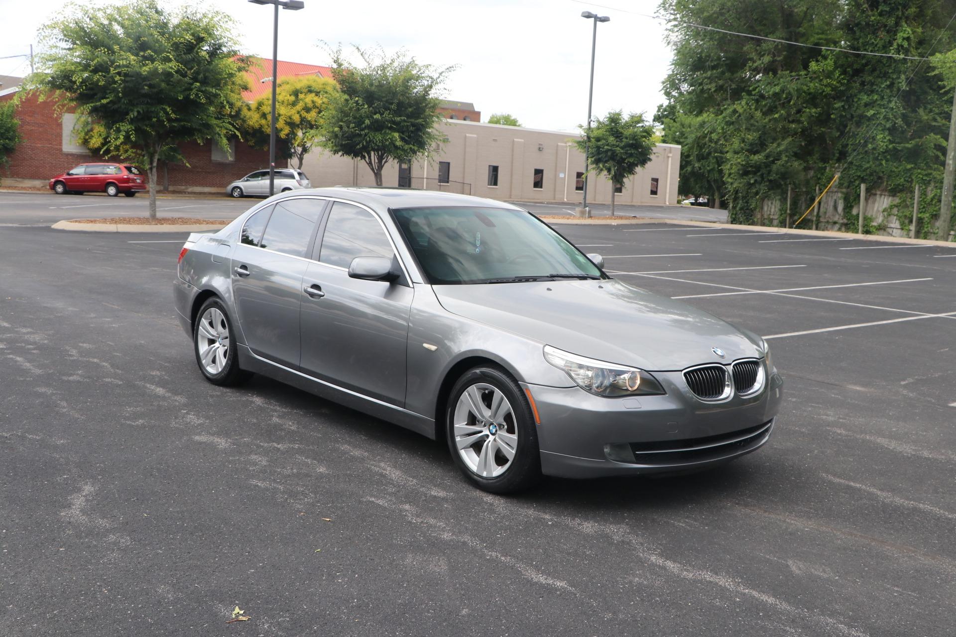Used 2009 BMW 528i PREMIUM RWD W/SUNROOF for sale $8,650 at Auto Collection in Murfreesboro TN 37130 1