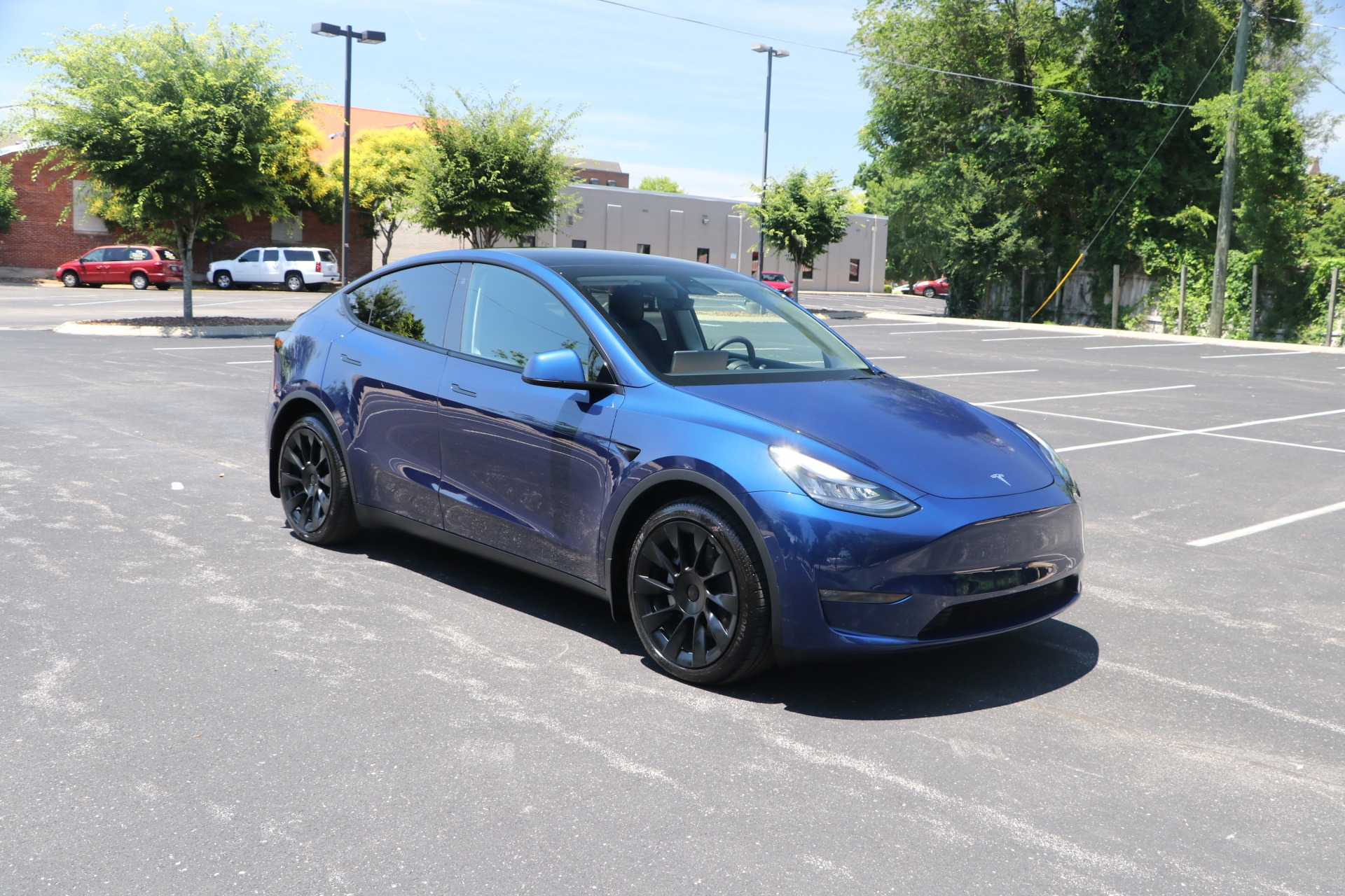 Used 2021 Tesla Model Y Long Range AWD W/NAV for sale $63,950 at Auto Collection in Murfreesboro TN 37130 1