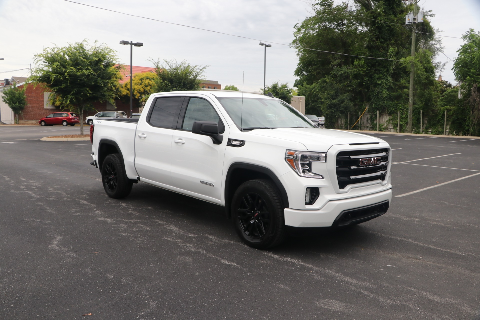 Used 2021 GMC Sierra 1500 Elevation CREW CAB 4WD for sale $55,950 at Auto Collection in Murfreesboro TN 37130 1