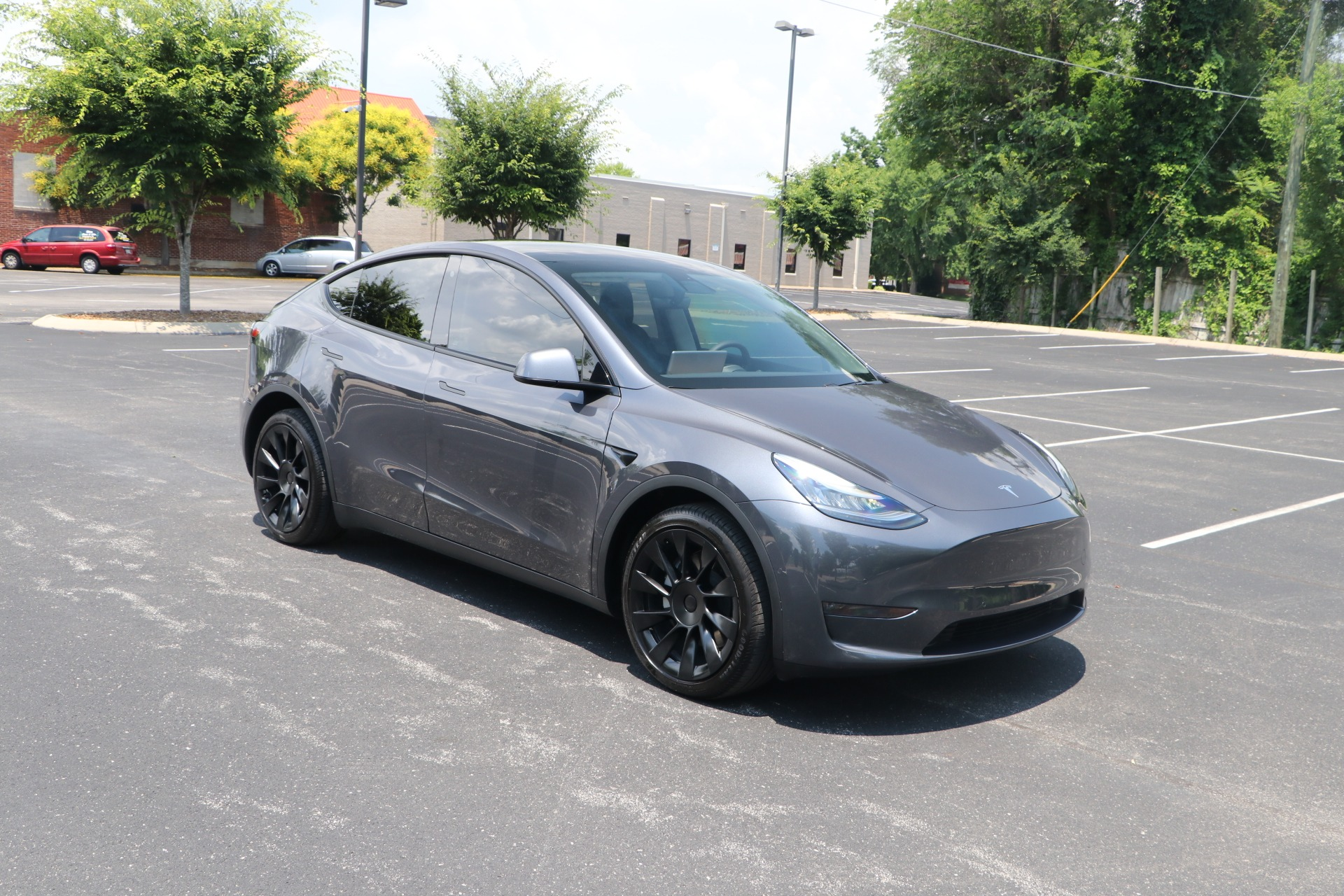 Used 2020 Tesla Model Y DUAL MOTOR LONG RANGE AWD W/NAV for sale Sold at Auto Collection in Murfreesboro TN 37130 1