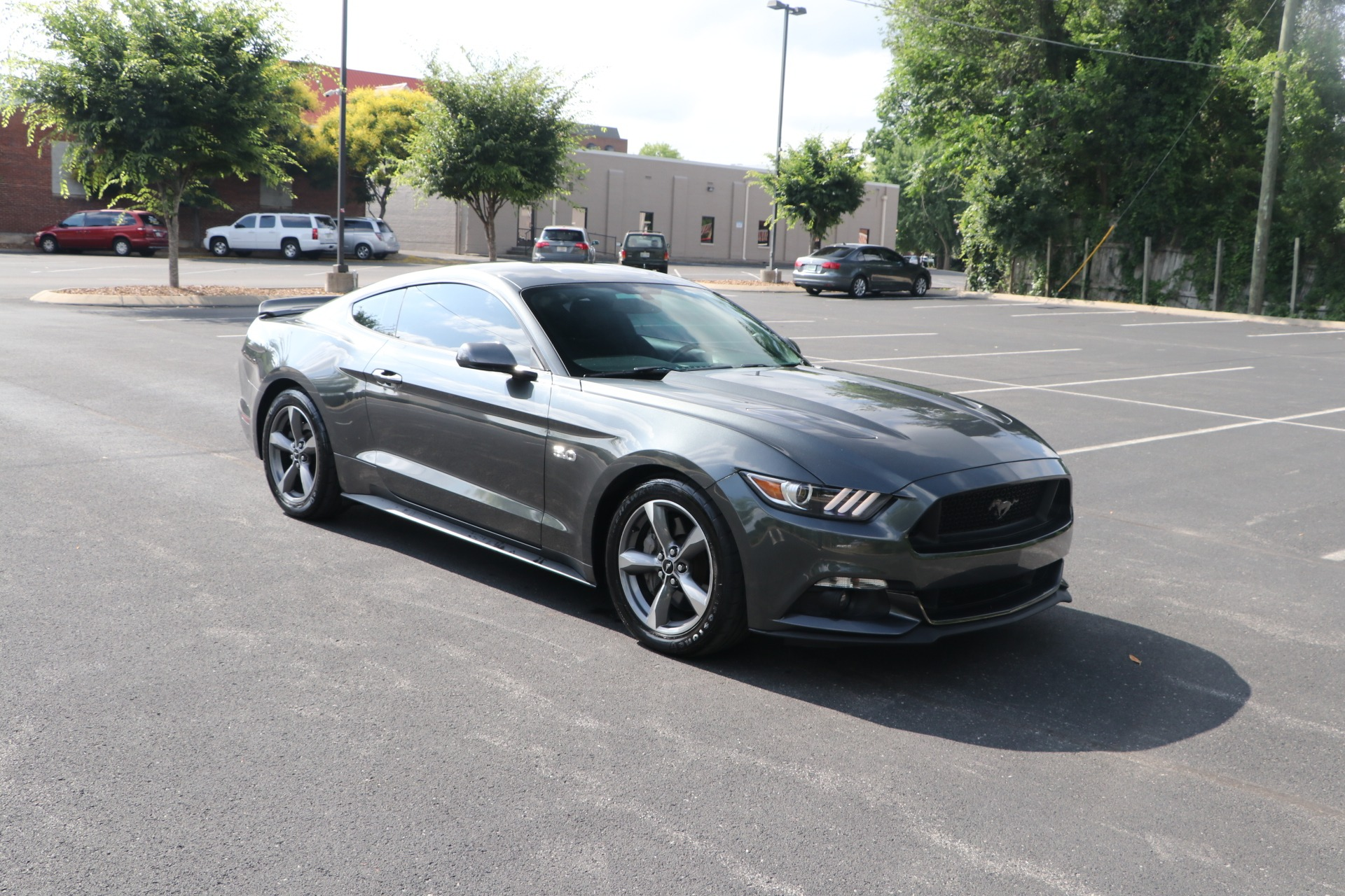 Used 2016 Ford Mustang GT RWD W/NAV for sale $33,950 at Auto Collection in Murfreesboro TN 37130 1