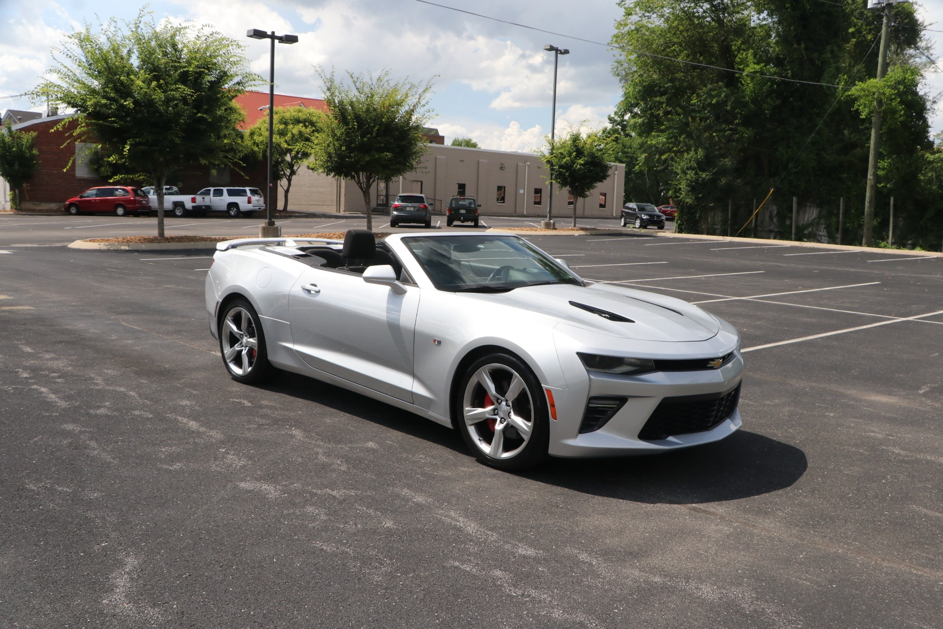 Used 2017 Chevrolet Camaro SS CONVERTIBLE W/NAV for sale $36,500 at Auto Collection in Murfreesboro TN 37130 1