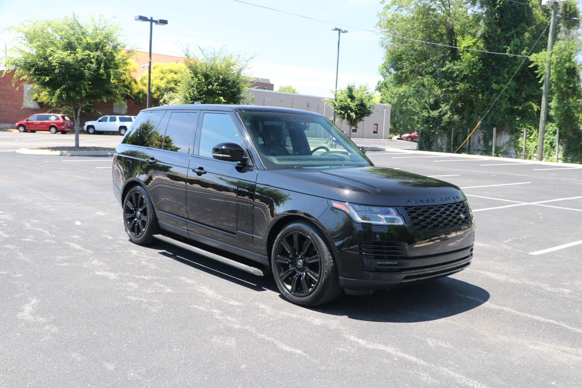 Used 2019 Land Rover Range Rover HSE 3.0 SUPERCHARGED W/NAV for sale $94,500 at Auto Collection in Murfreesboro TN 37130 1