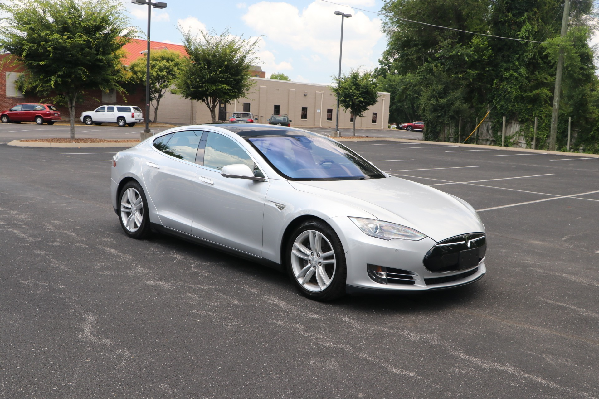 Used 2015 Tesla Model S 90D AWD W/NAV for sale Sold at Auto Collection in Murfreesboro TN 37130 1