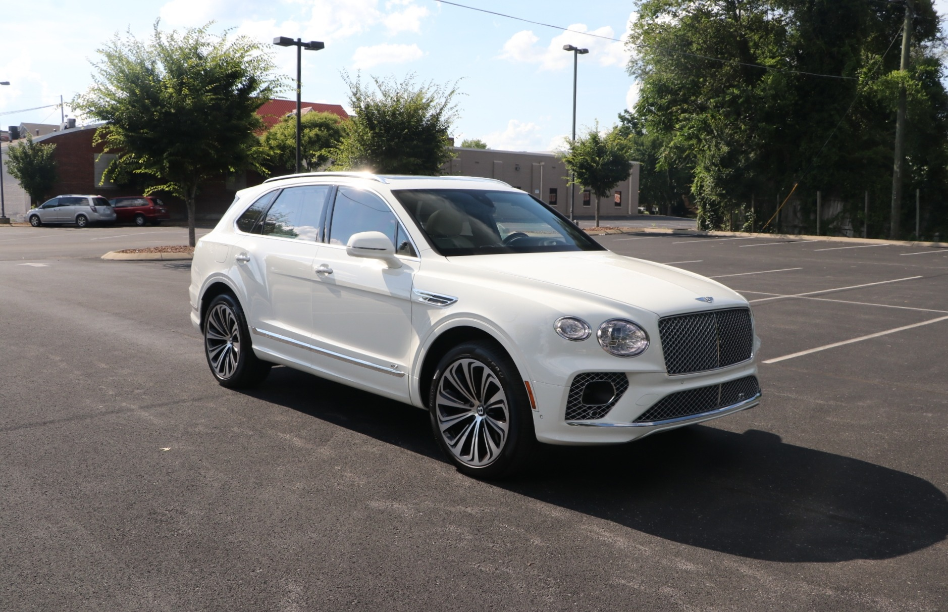 Used 2021 Bentley Bentayga 4.0L V8 AWD W/NAV for sale $239,950 at Auto Collection in Murfreesboro TN 37130 1