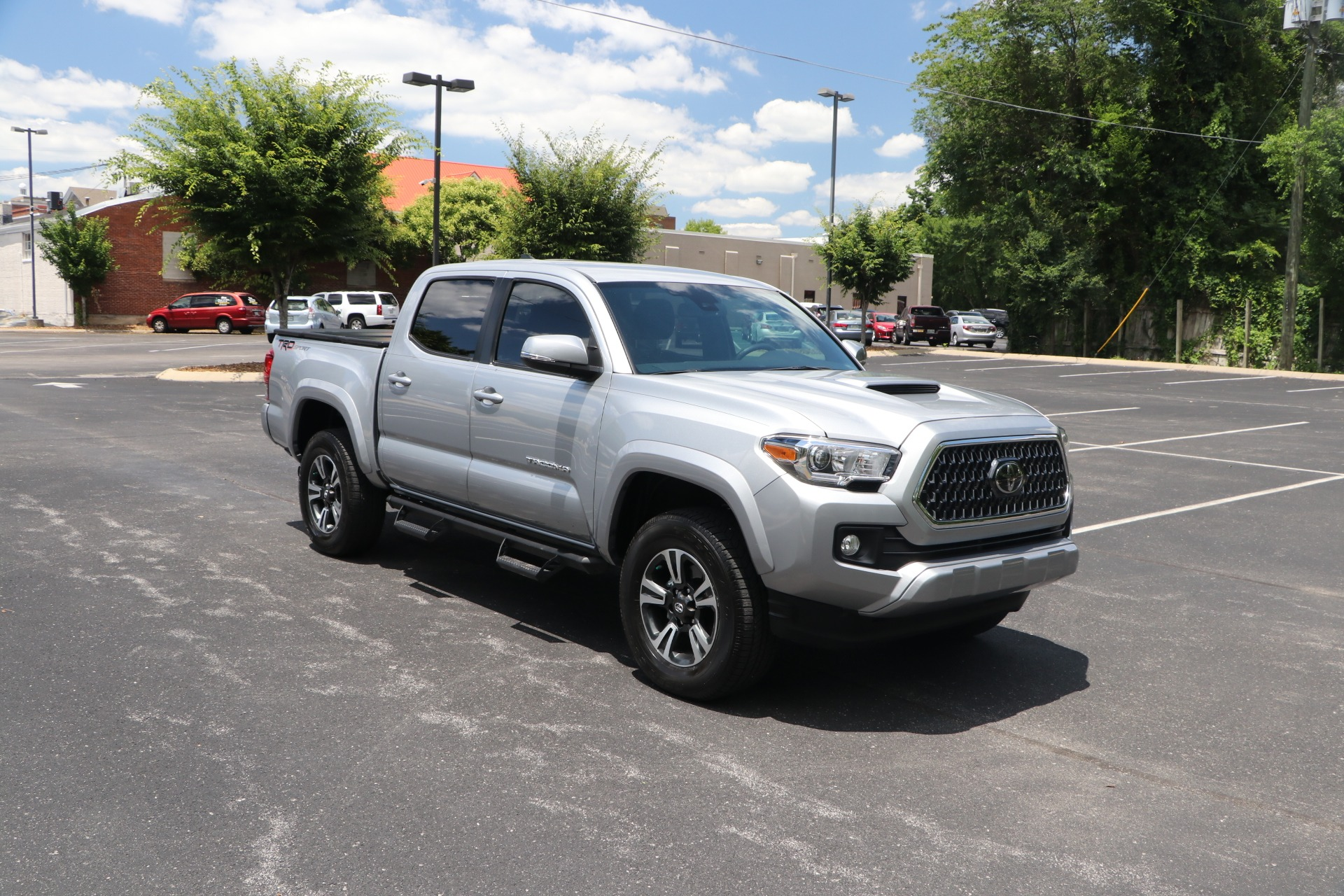 Used 2018 Toyota Tacoma TRD Sport 4X2 DOUBLE CAB W/NAV for sale $37,950 at Auto Collection in Murfreesboro TN 37130 1
