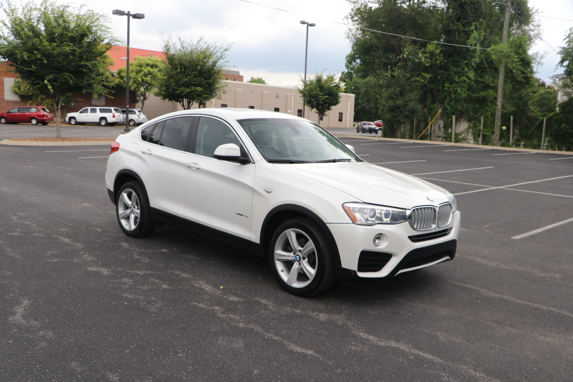 Used 2017 BMW X4 xDrive28i Sports Activity Coupe PREMIUM W/TECH for sale $30,950 at Auto Collection in Murfreesboro TN 37130 1