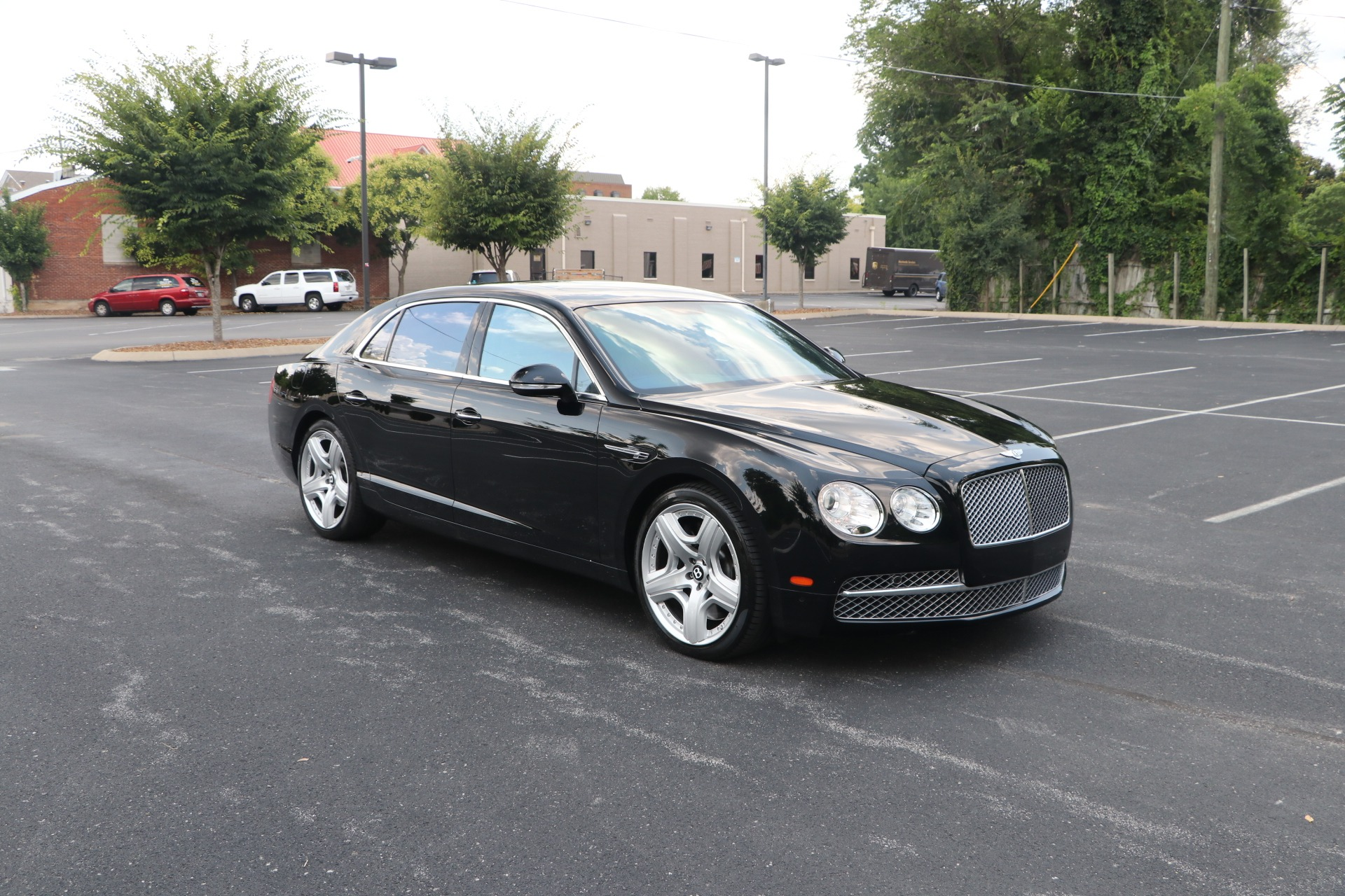 Used 2014 Bentley Flying Spur LAUNCH LVL 2 W12 W/NAV for sale $90,950 at Auto Collection in Murfreesboro TN 37130 1