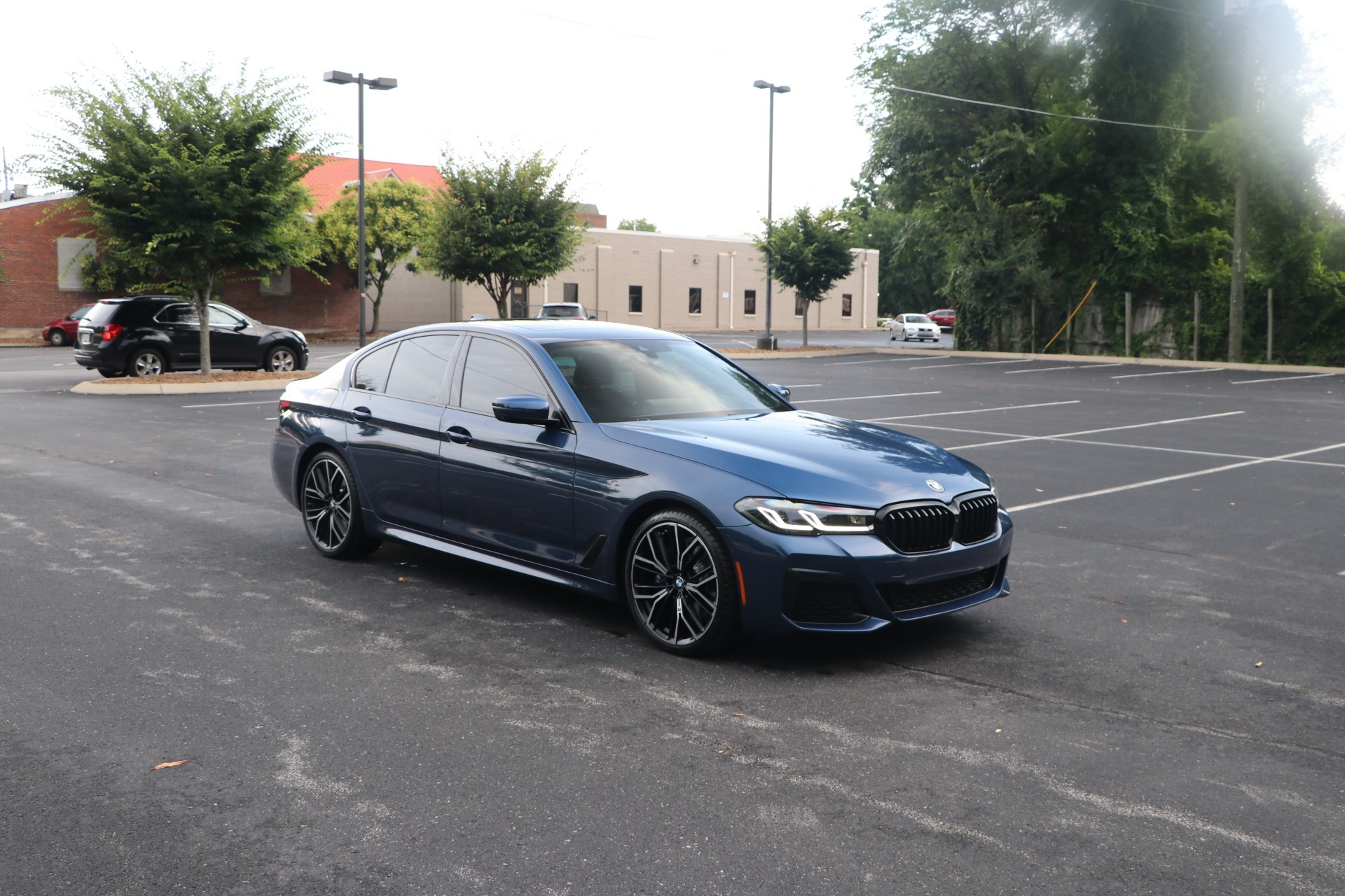 Used 2021 BMW 530i PREMIUM M SPORT PACKAGE W/NAV for sale $58,950 at Auto Collection in Murfreesboro TN 37130 1