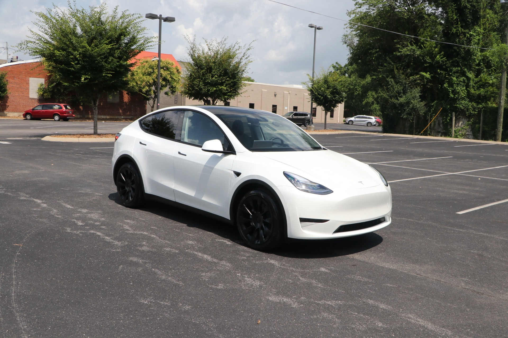 Used 2020 Tesla Model Y Long Range AWD W/Autopilot for sale $65,950 at Auto Collection in Murfreesboro TN 37130 1
