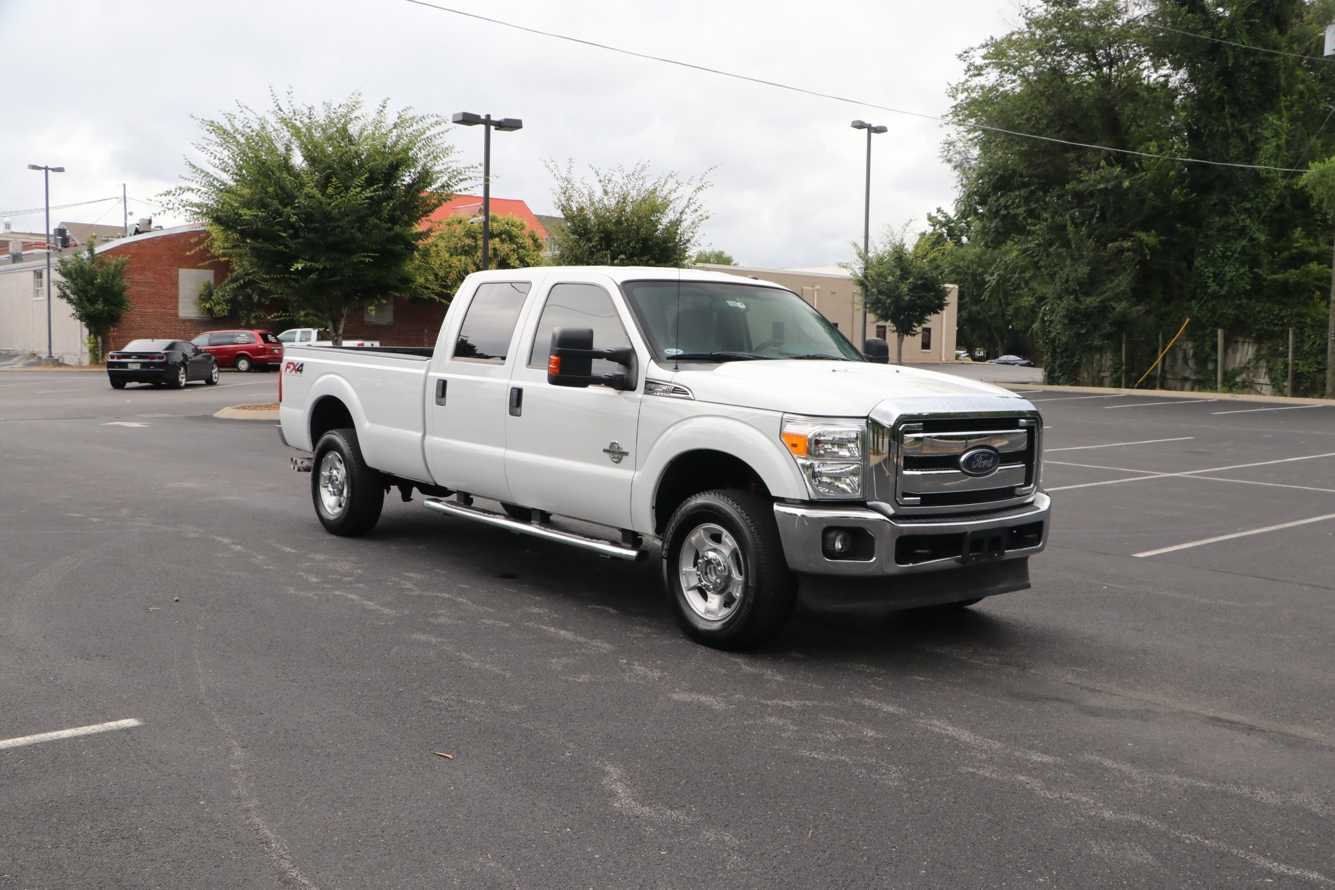 Used 2016 Ford F-250 Super Duty XLT Crew Cab 4x4 FX4 OFF-ROAD for sale $39,149 at Auto Collection in Murfreesboro TN 37130 1
