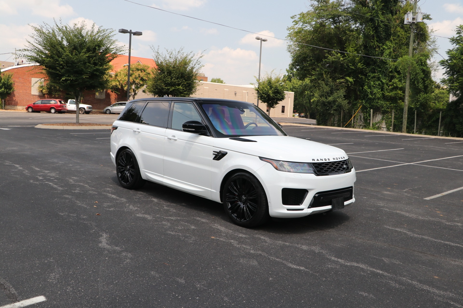 Used 2019 Land Rover Range Rover Sport Supercharged Dynamic AWD W/NAV for sale Sold at Auto Collection in Murfreesboro TN 37130 1