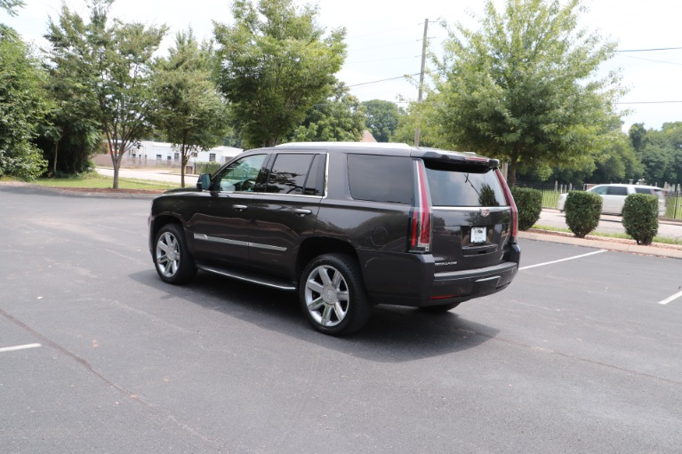 Used 2017 Cadillac Escalade Luxury 4WD W/REAR ENTERTAINMENT SYSTEM for sale Sold at Auto Collection in Murfreesboro TN 37130 4