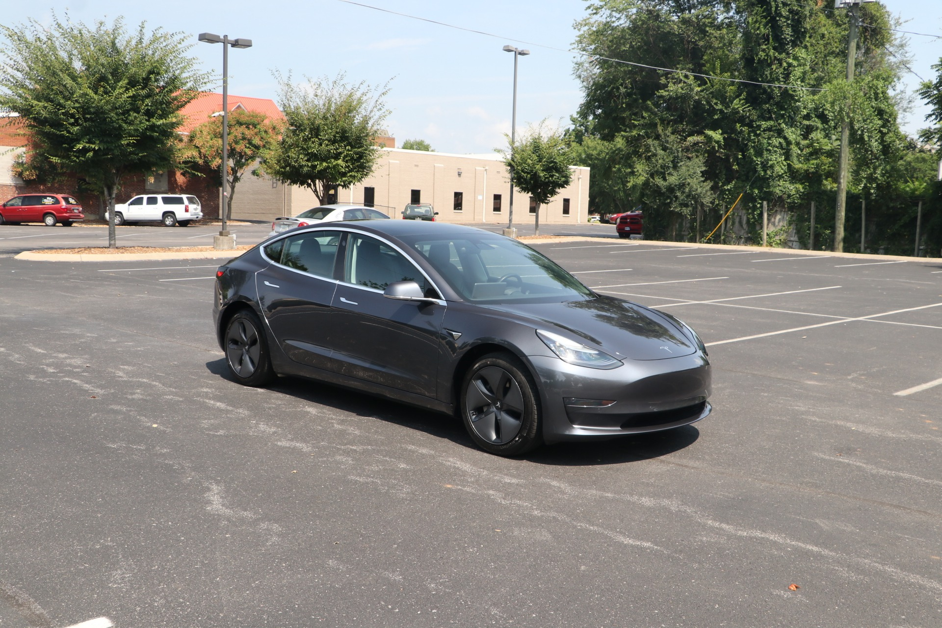 Used 2019 Tesla Model 3 Mid Range RWD W/NAV for sale Sold at Auto Collection in Murfreesboro TN 37130 1