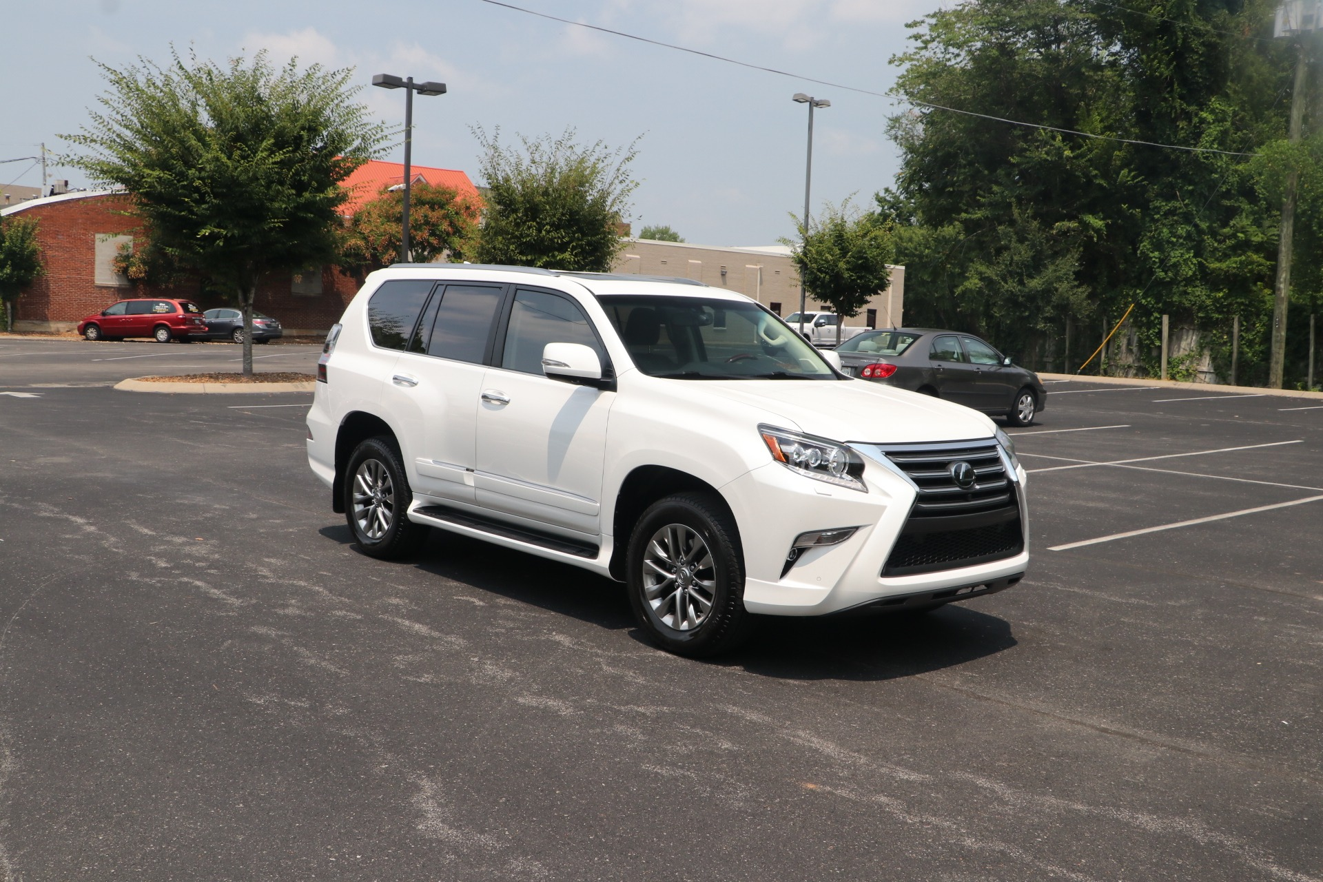Used 2017 Lexus GX 460 LUXURY AWD W/NAV for sale Sold at Auto Collection in Murfreesboro TN 37130 1