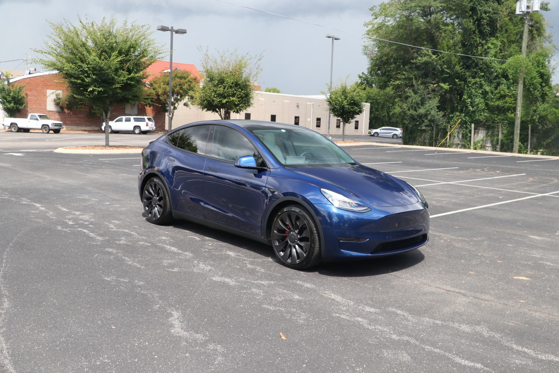 Used 2020 Tesla Model Y Performance AWD W/AUTOPILOT for sale $68,450 at Auto Collection in Murfreesboro TN 37130 1