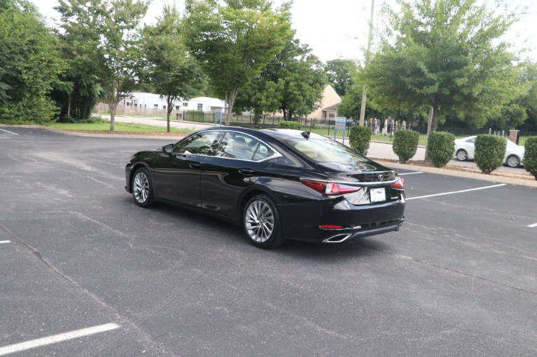 Used 2019 Lexus ES 350 Luxury FWD W/NAV for sale Sold at Auto Collection in Murfreesboro TN 37130 4