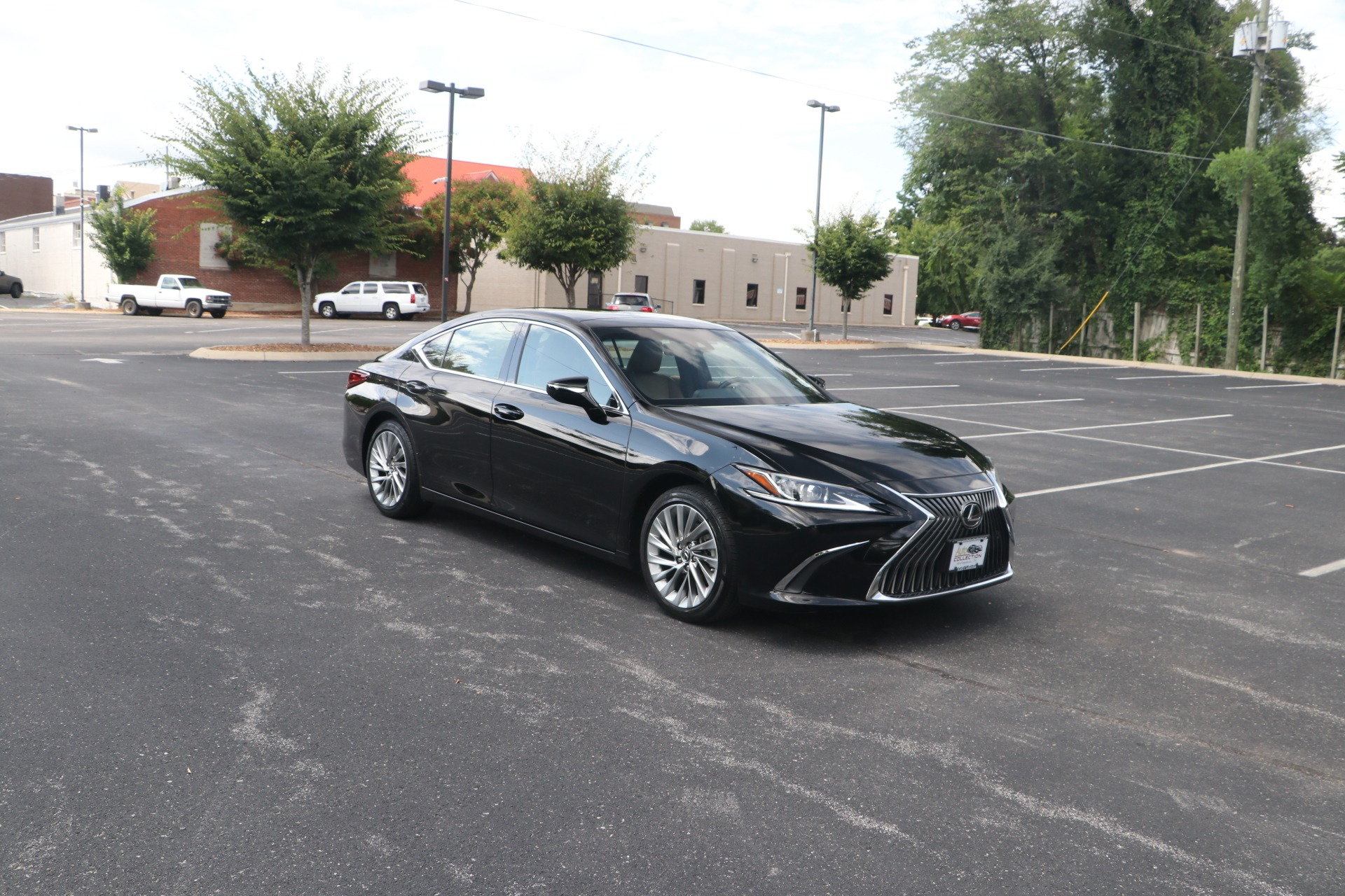 Used 2019 Lexus ES 350 Luxury FWD W/NAV for sale Sold at Auto Collection in Murfreesboro TN 37130 1