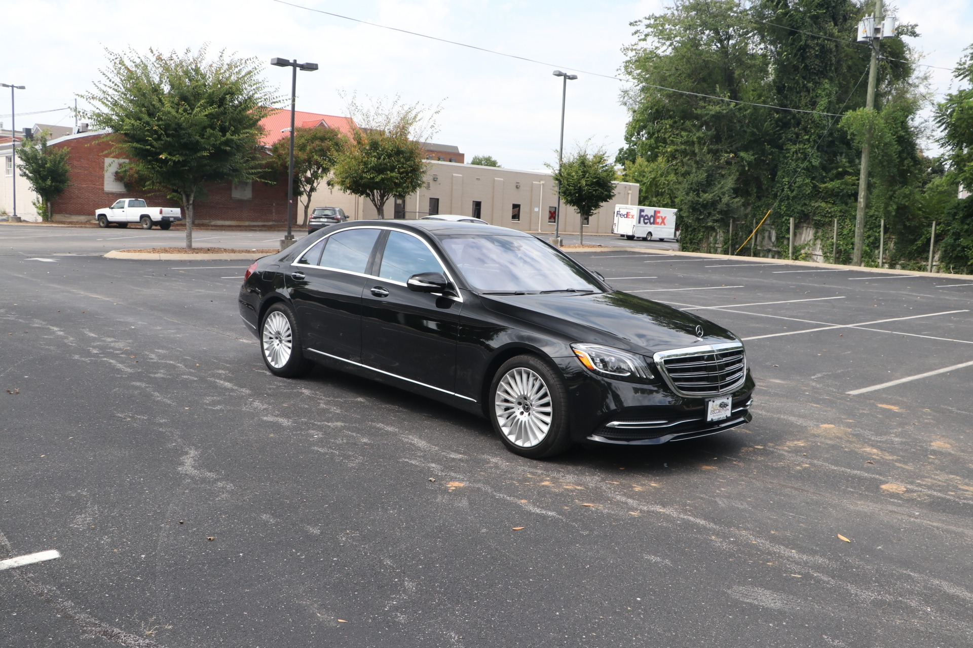Used 2018 Mercedes-Benz S560 4MATIC W/PREMIUM PACKAGE for sale $69,950 at Auto Collection in Murfreesboro TN 37130 1