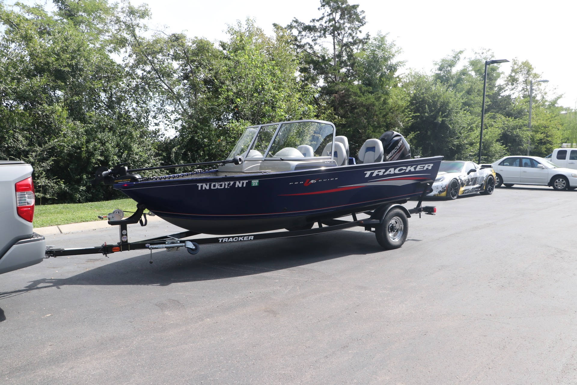 Used 2015 TRACKER DEEP V PGV16 for sale $20,950 at Auto Collection in Murfreesboro TN 37130 1