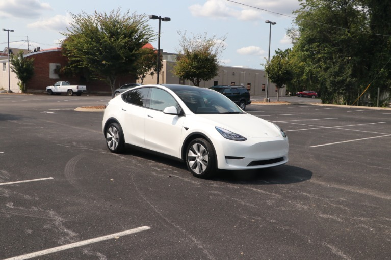 Used 2021 Tesla Model Y Long Range AWD W/AUTOPILOT for sale $66,950 at Auto Collection in Murfreesboro TN 37130 1