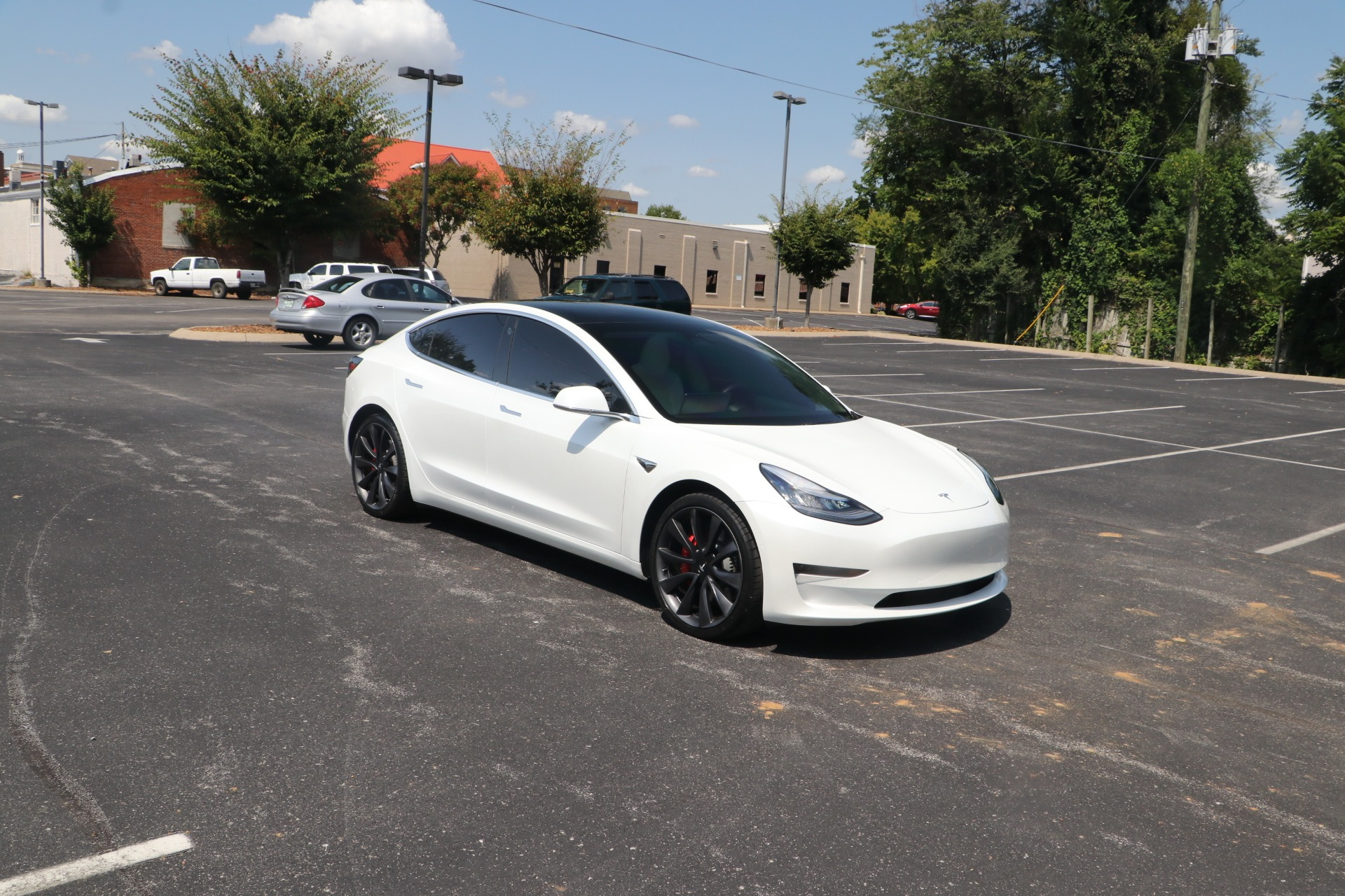 Used 2020 Tesla Model 3 Performance AWD for sale $60,950 at Auto Collection in Murfreesboro TN 37130 1