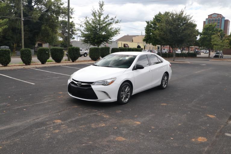 Used 2015 Toyota Camry SE FWD for sale $13,450 at Auto Collection in Murfreesboro TN 37130 2