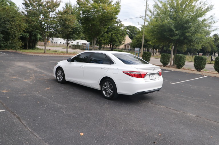 Used 2015 Toyota Camry SE FWD for sale $13,450 at Auto Collection in Murfreesboro TN 37130 4