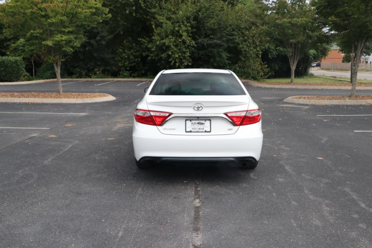 Used 2015 Toyota Camry SE FWD for sale $13,450 at Auto Collection in Murfreesboro TN 37130 6