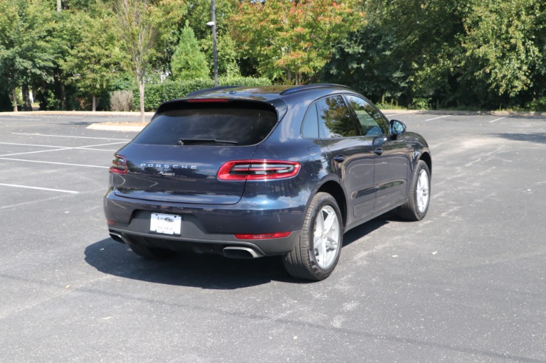 Used 2018 Porsche Macan AWD PANORAMIC SUNROOF W/NAV for sale $46,750 at Auto Collection in Murfreesboro TN 37130 3