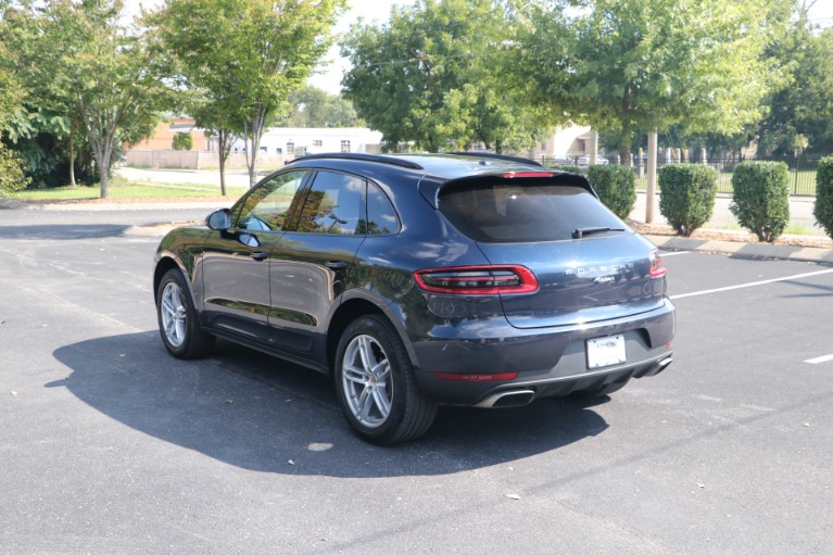 Used 2018 Porsche Macan AWD PANORAMIC SUNROOF W/NAV for sale $46,750 at Auto Collection in Murfreesboro TN 37130 4