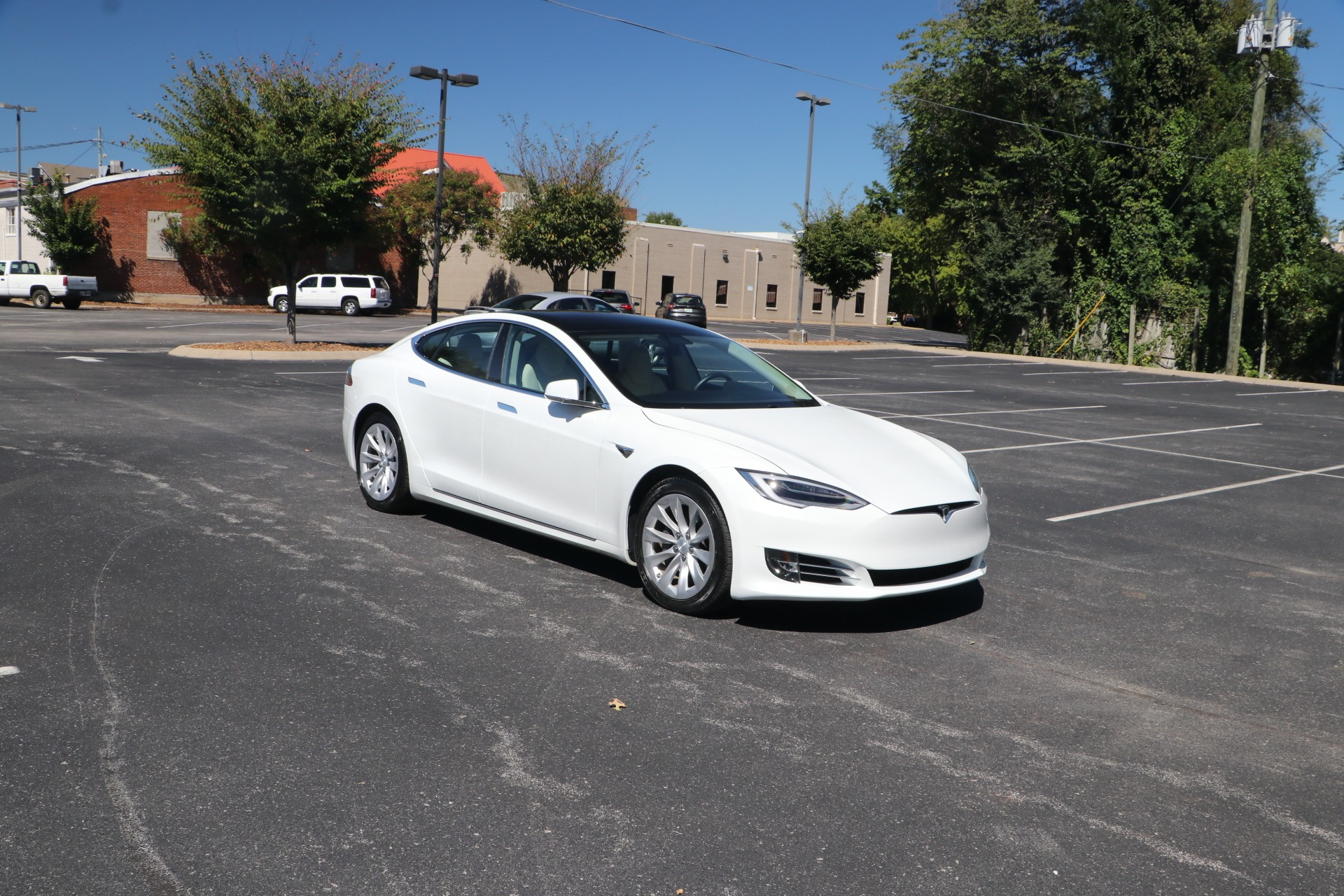 Used 2019 Tesla Model S 75D AWD W/NAV for sale $73,950 at Auto Collection in Murfreesboro TN 37130 1