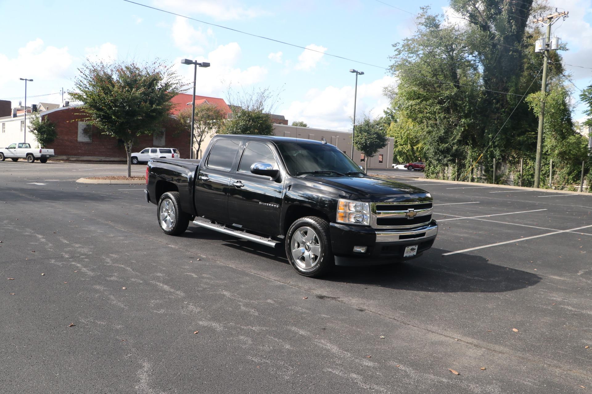 Used 2011 Chevrolet Silverado 1500 LT CREW CAB RWD for sale $19,950 at Auto Collection in Murfreesboro TN 37130 1