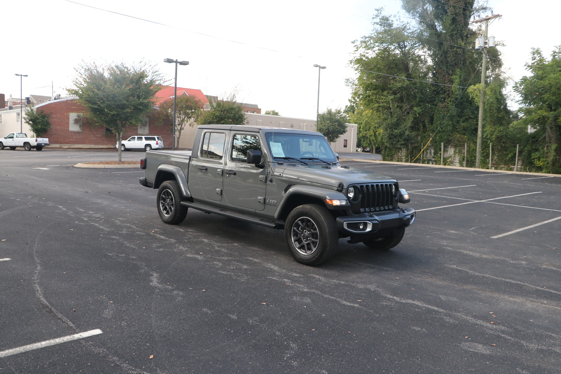 Used 2021 Jeep Gladiator Overland CREW CAB CONVERTIBLE 4X4 for sale $56,950 at Auto Collection in Murfreesboro TN 37130 1
