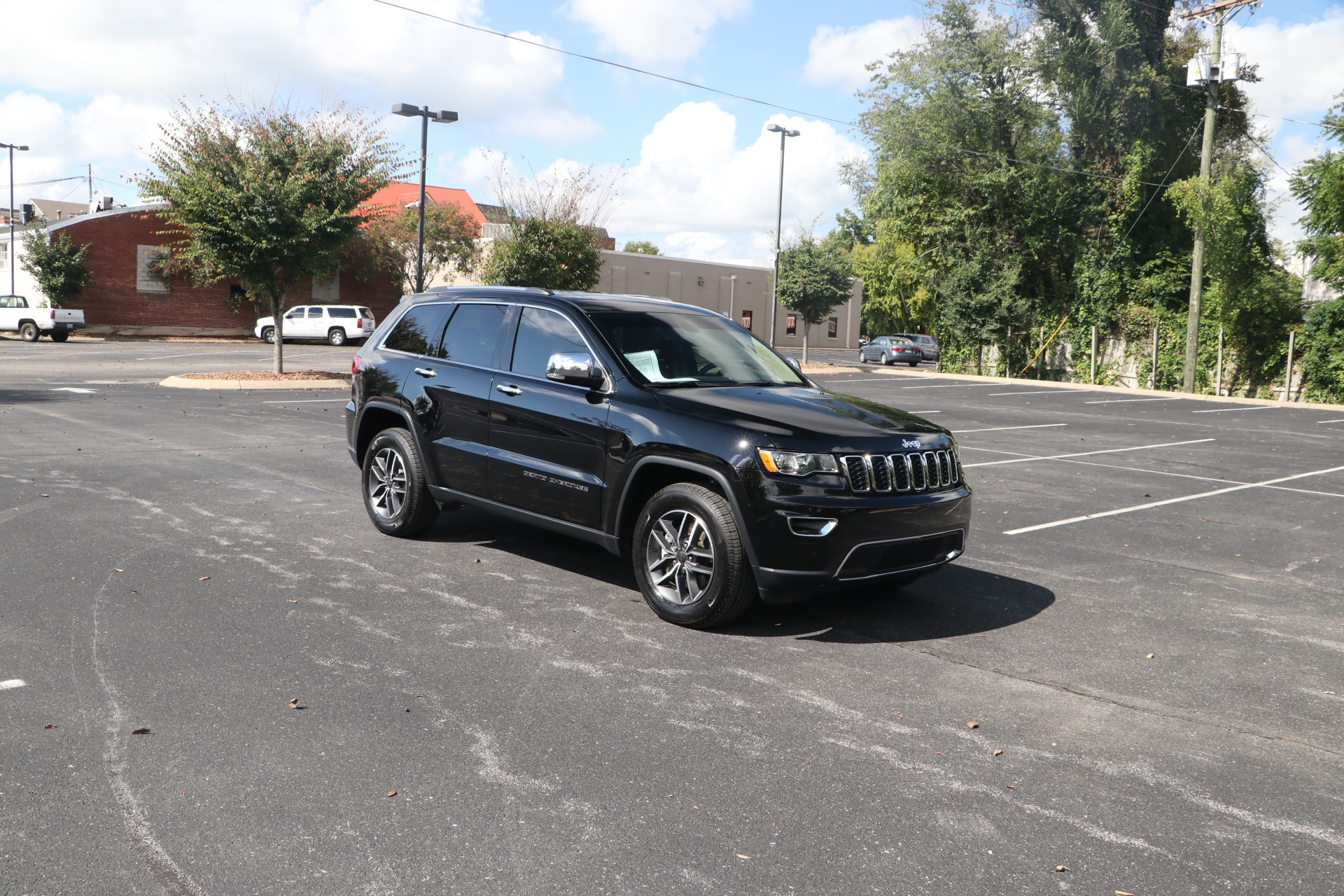 Used 2021 Jeep Grand Cherokee LIMITED 4WD W/NAV for sale $45,850 at Auto Collection in Murfreesboro TN 37130 1